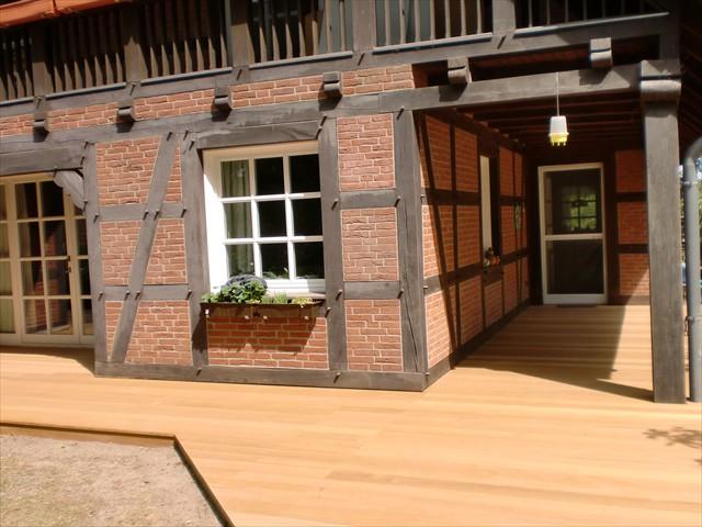 Holzterrassen und Holzfliesen